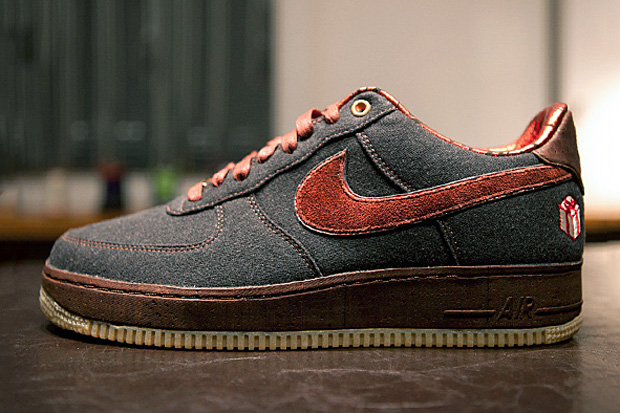 "Nike Air Force 1 ""The Gift"" Further Look"