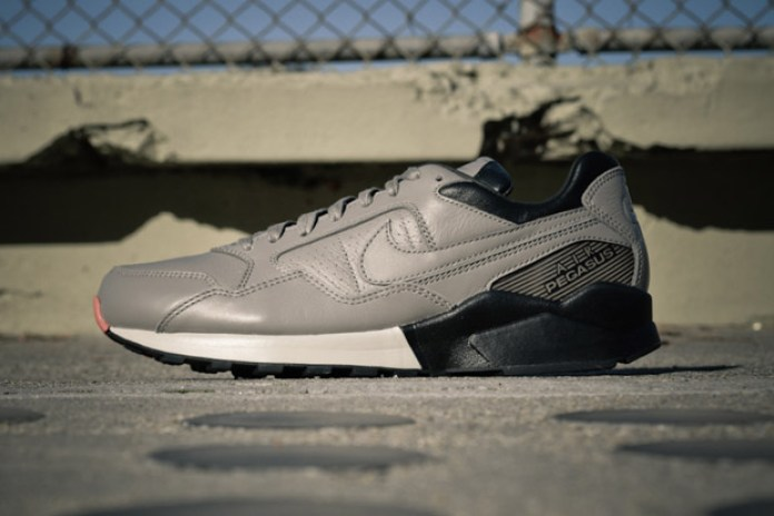 Nike Air Pegasus '92 Decon QS