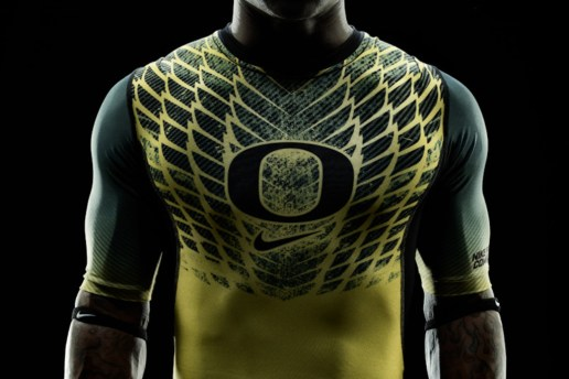 "Nike Football Pro Combat System ""Oregon Ducks"" Uniforms"
