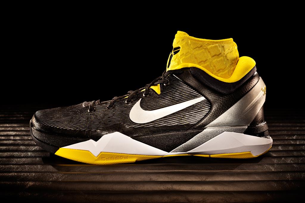 Nike Zoom Kobe VII System Supreme