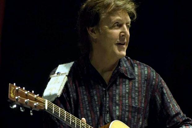 Paul McCartney featuring Eric Clapton – My Valentine