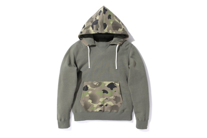 A Bathing Ape 1ST CAMO GRADATION HOODED CREWNECK