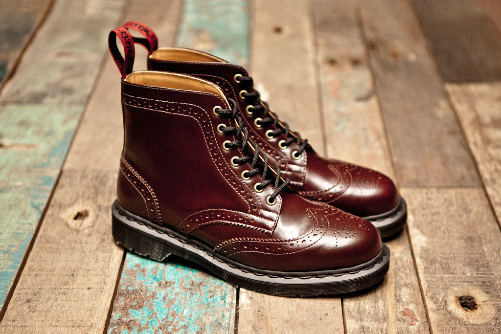 BEAMS x Dr. Martens 7-Eye Brogue Boot