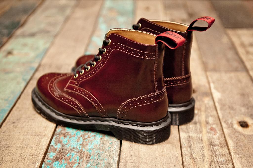 BEAMS x Dr. Martens 7-Eye Brogue Boot