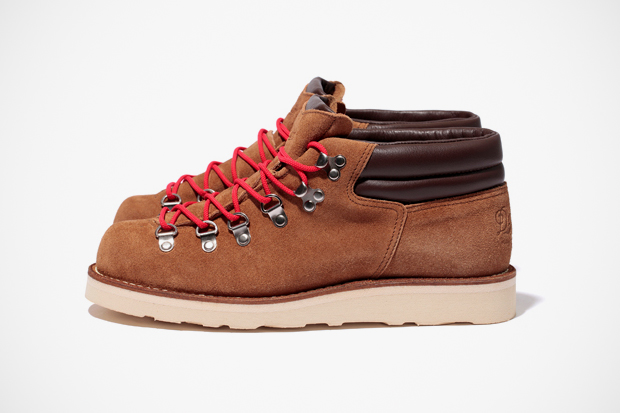 Danner for Stussy Mountain Ridge Mid