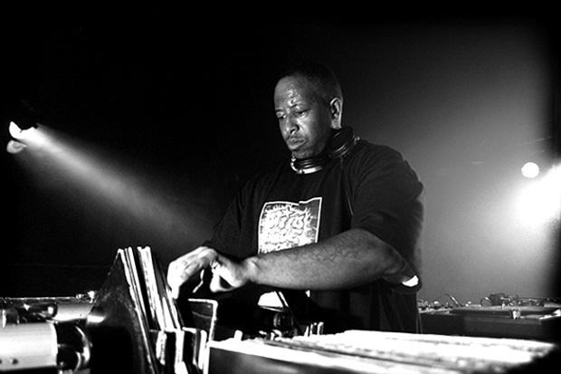 """DJ Premier """"Old Skool-New Year 2012"""" Mix"""