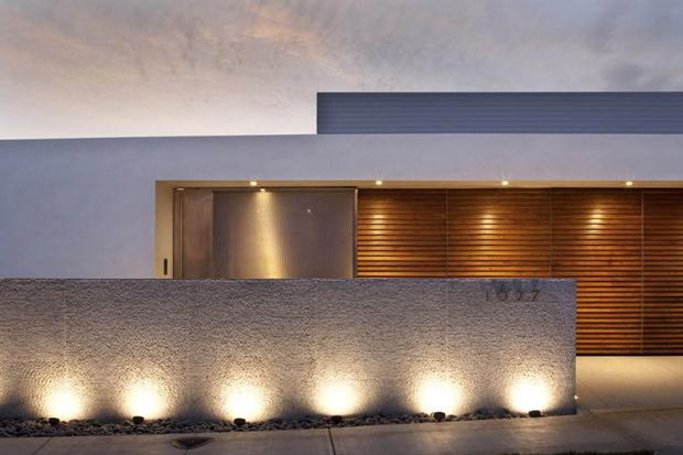 Harborview Hills by Laidlaw Schultz Architects
