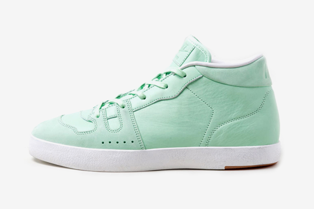 "Nike Manor ""Fresh Mint"" Preview"