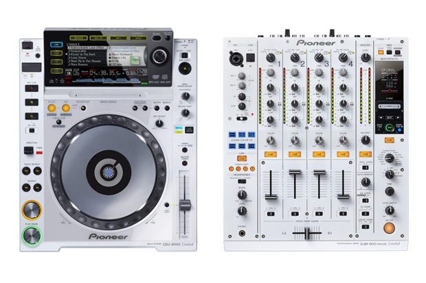 Pioneer CDJ-2000 & DJM-900nexus Limited Edition