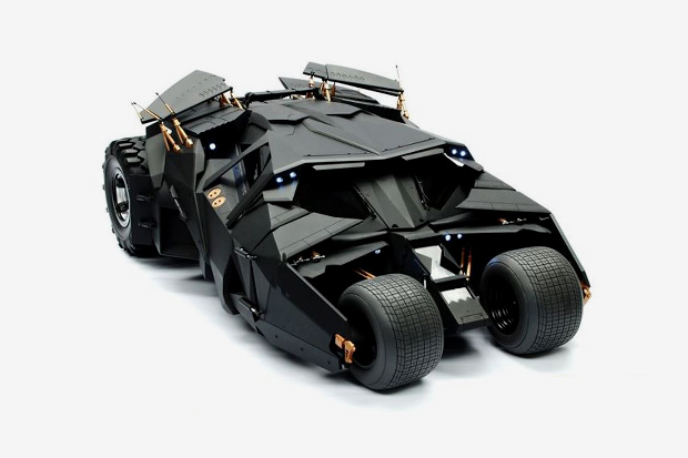 The Dark Knight: 1/6th Scale Batmobile Collection