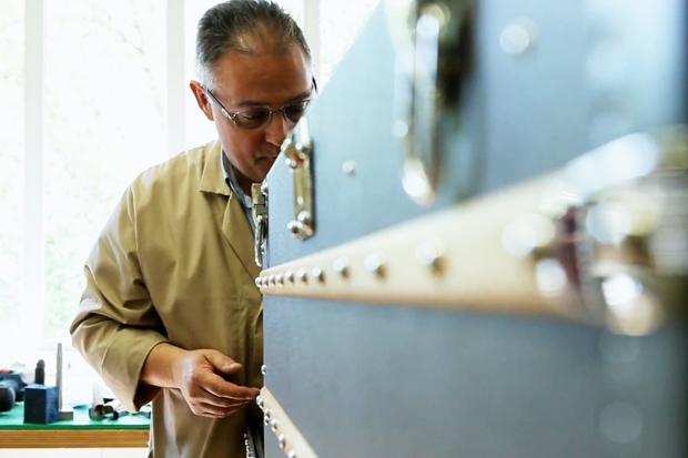 Un Metier D'Art Pour Moi: Leather Goods with Louis Vuitton Video