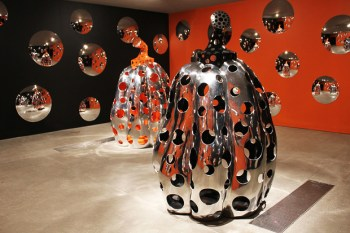"Yayoi Kusama ""Look Now, See Forever"" @ Queensland Gallery of Modern Art"