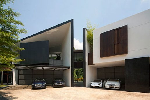 Black & White House by Formwerkz Architects