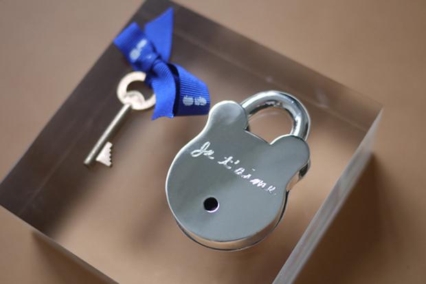colette x bunney st valentines day locks
