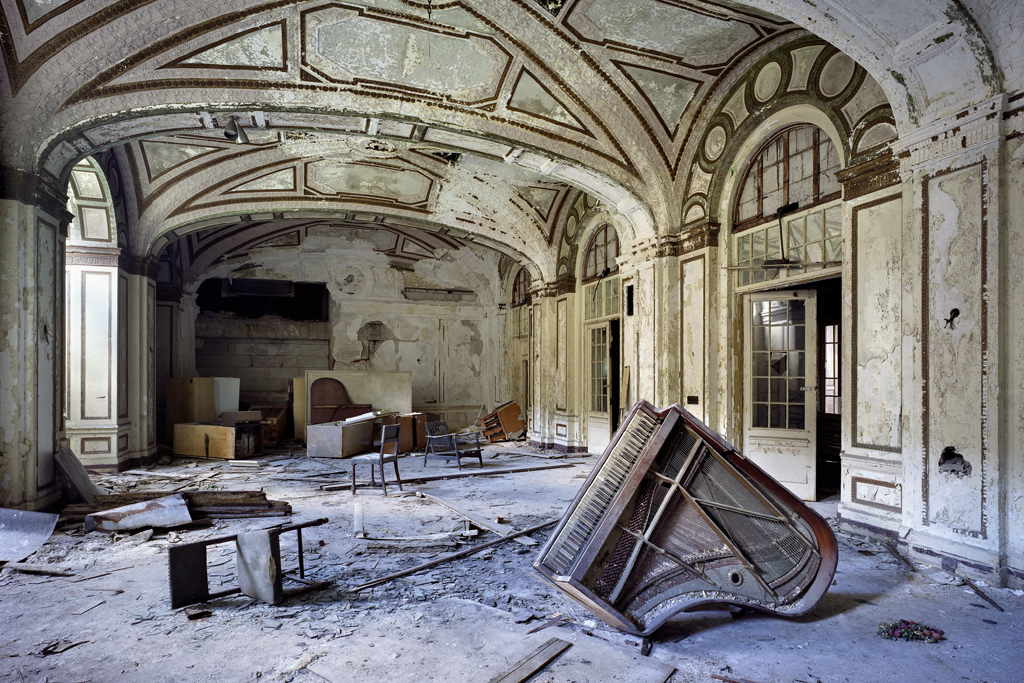 "Yves Marchand & Romain Meffre: ""The Ruins of Detroit"" Exhibition @ Wilmotte Gallery"