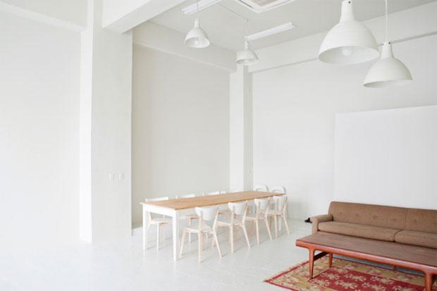 COSTA MESSA Studio WhiteBase