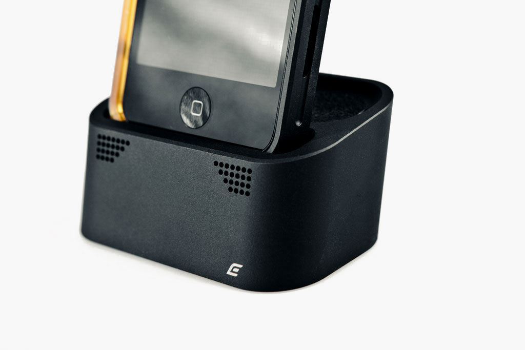 Element Case Vapor Dock for iPhone 4/4S