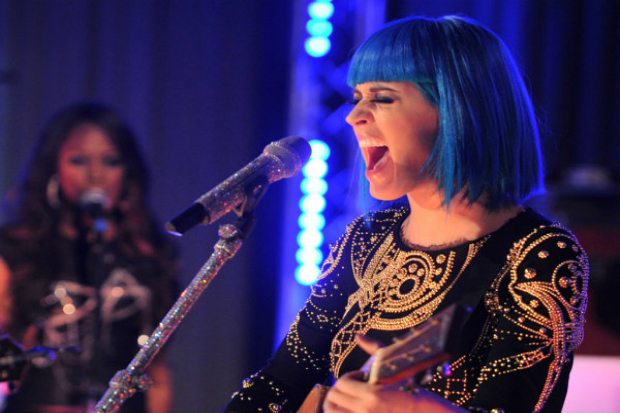 Katy Perry - Ninjas in Paris | Video