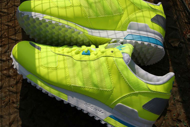 "adidas Originals 2012 Spring/Summer ZX 700 ""Fluorescent"""