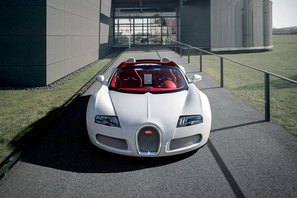 bugatti veyron grand sport wei long hypebeast. Black Bedroom Furniture Sets. Home Design Ideas