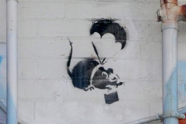 Banksy's 'Parachuting Rat' in Melbourne Destroyed