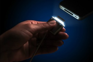 CordLite Light-Up iPhone Cable