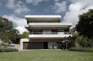 Gordons Bay House by Luigi Rosselli Architects