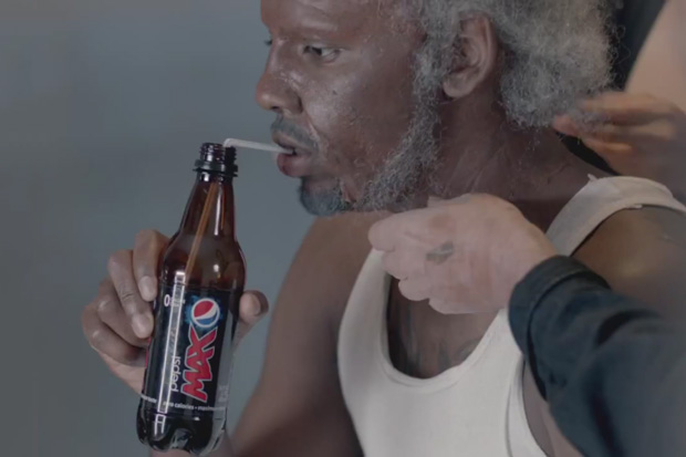 """Kyrie Irving Dresses Up As """"Uncle Drew"""" To Play Pick-Up Ball"""