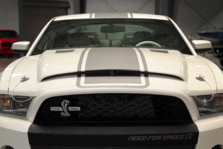 Wide Open Throttle : Carroll Shelby - Racing Legend and Father of the Cobra, GT350 & GT500 Video