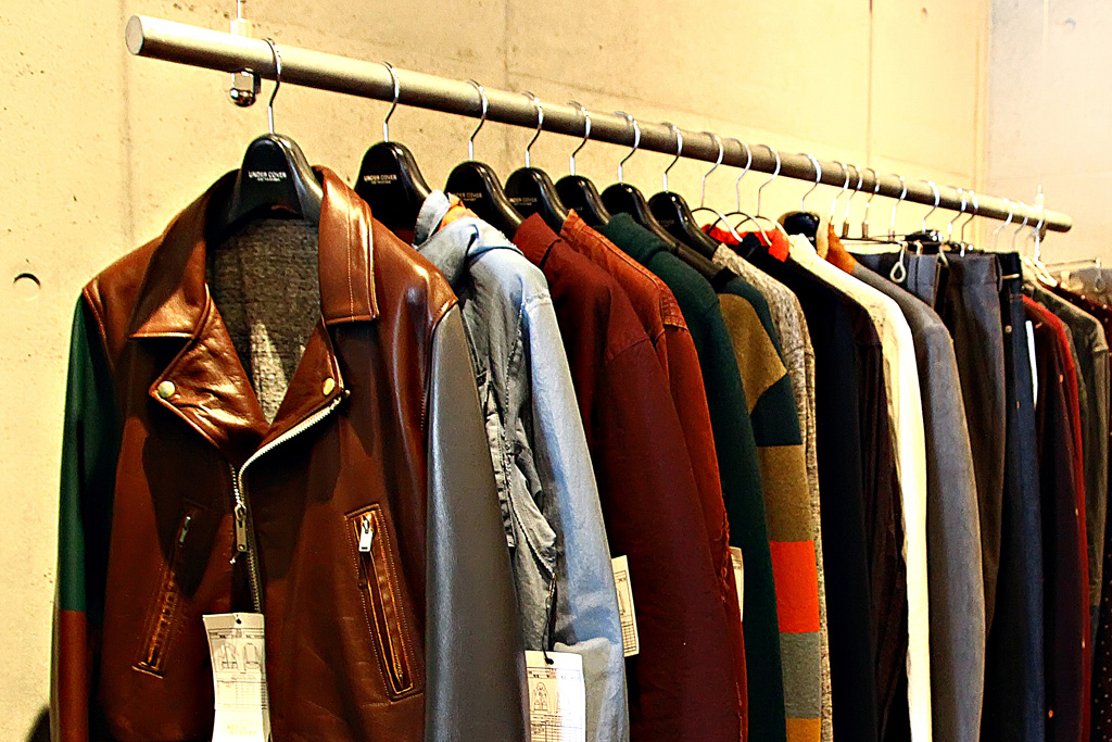 "UNDERCOVER 2012 Fall/Winter ""PSYCHO COLOR"" Collection Preview"