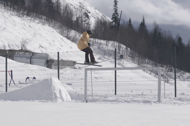 Urban Skiing in Russia Video