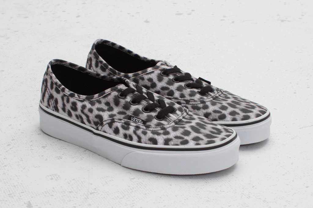 vans authentic leopard pack