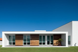 Aradas House by RVDM Architects