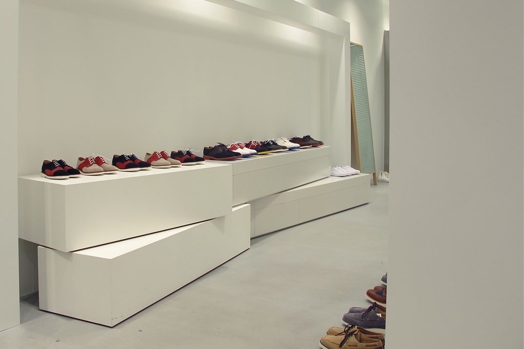 dover street market ginza tachiagari for 2012 fall winter