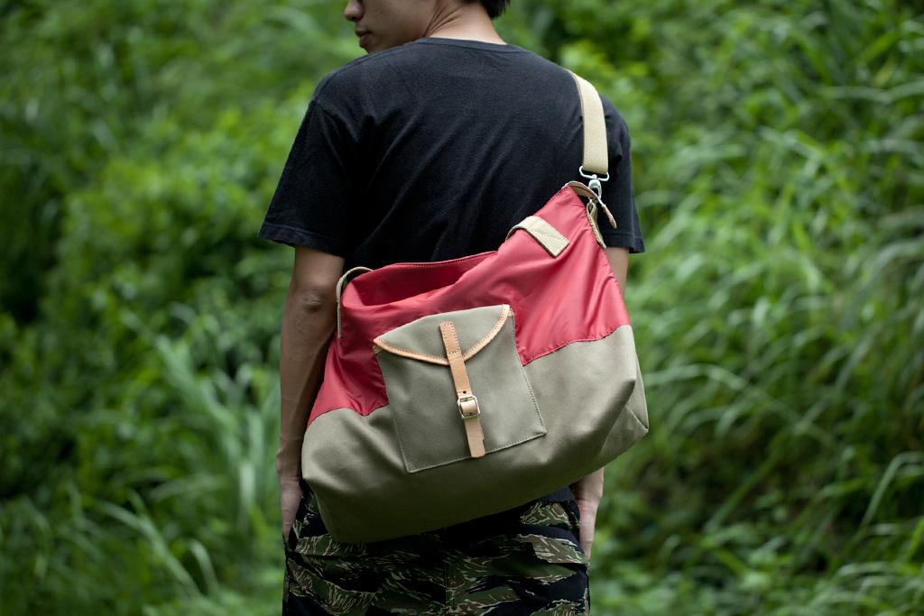 "Esther Porter 2012 Spring/Summer ""TENT"" Bag Collection"