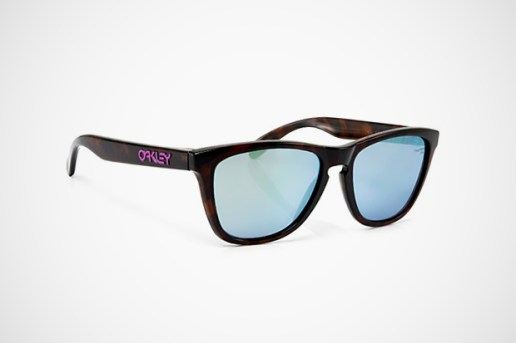 fragment design x Oakley Frogskins Sunglasses