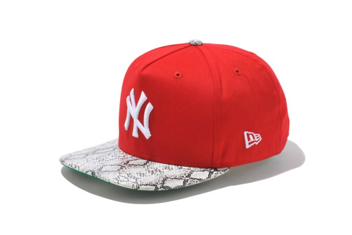 New Era New York Yankees Snake Visor Caps