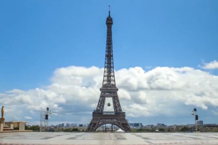 Paris In Motion Timelapse Video