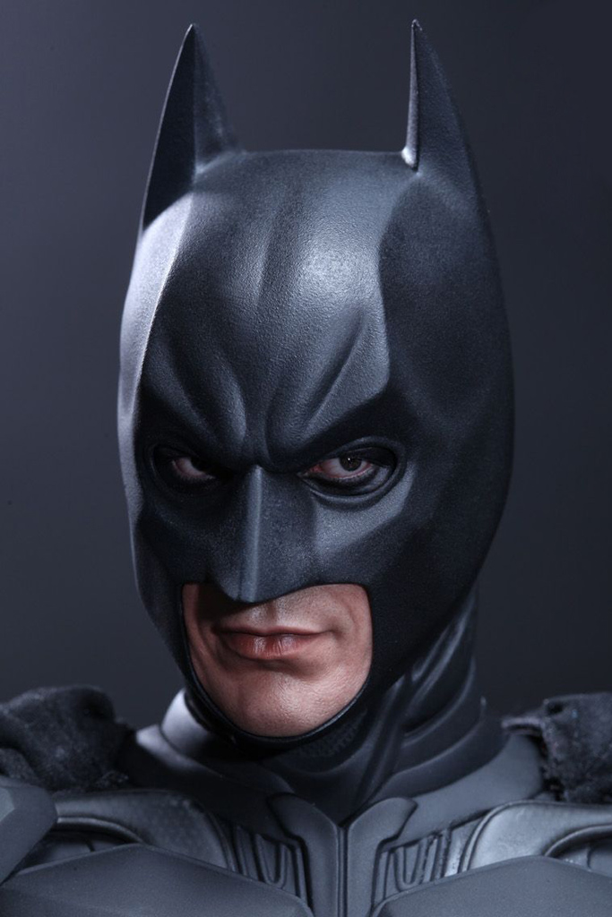 the dark knight rises batman 1 4 scale figure by hot toys