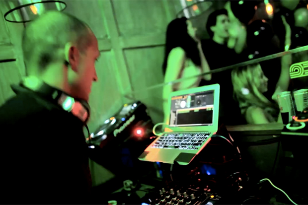 """Tumi """"Case Studies"""" Lessons in Packing Video - DJ Vice"""