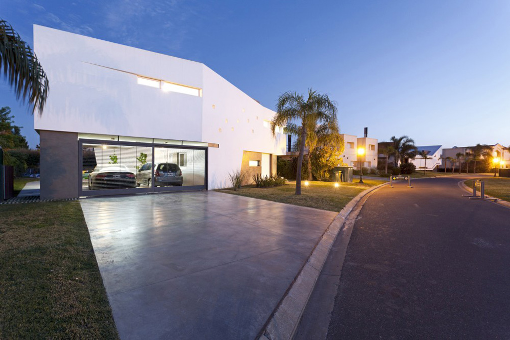 house v by i gc arquitectura