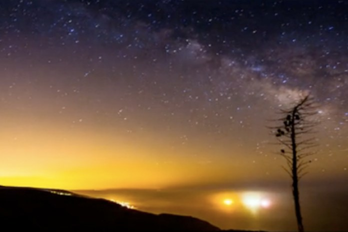 Los Angeles at Night in Stunning Timelapse Footage from Colin Rich