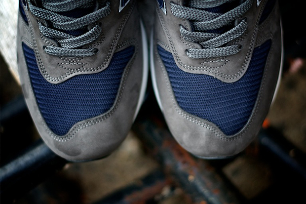 "New Balance 2012 Fall 1300NG ""Navy and Grey"""