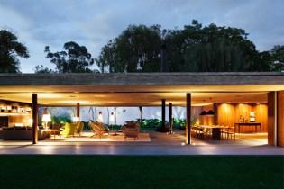 V4 House by StudioMK47