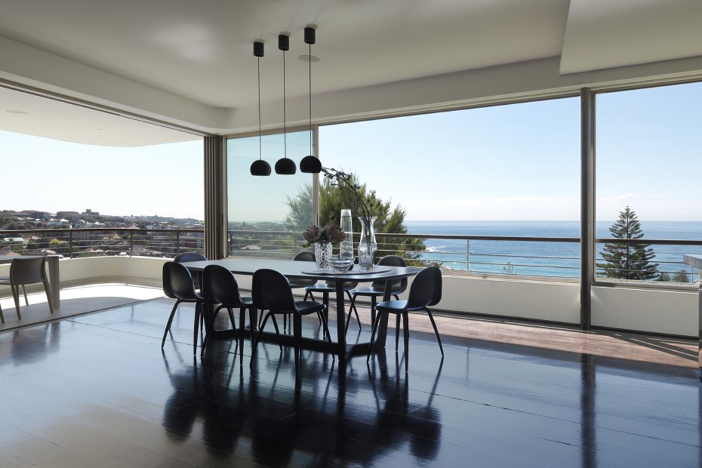 Balcony Over Bronte by Luigi Rosselli Architects