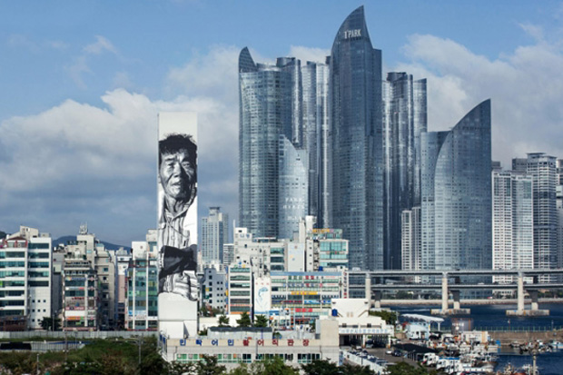 hendrik beikirch creates asias tallest mural in south korea