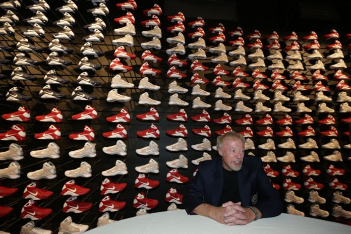 Nike Co-Founder Phil Knight Inducted Into Basketball Hall of Fame