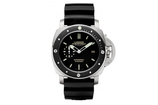 Panerai PAM 389 Luminor Submersible Amagnetic Watch
