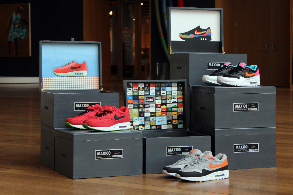 Social Status x MAX100 x Nike Auction Reminder & Interview
