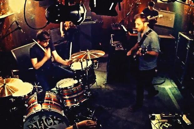 The Black Keys - Little Black Submarine   Video